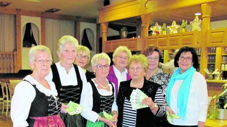 Mitglieder des Landvolks: (von links) Marlies Hofmann, Thekla Zengerle, Resi Schilling, Annemarie Oblinger, Amalie Kummer, Leni Herreiner, Gertrud Hohenstatter und Gisela Heim.