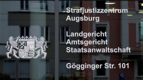 Das Augsburger Landgericht (Symbolfoto) hat die 30-Jährige und ihren 32-jährigen Mitangeklagten aus dem Landkreis Dillingen im Totschlag-Prozess verurteilt.