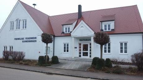 Reinhold Schilling wird am 30. April das Rathaus in Schwenningen (Foto) räumen. Drei Kandidaten bewerben sich um die Nachfolge.