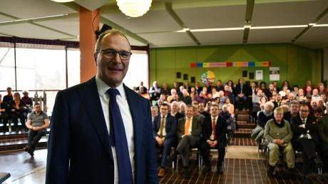 Viele kennen ihn wohl aus dem Fernsehen: Alexander Hold, ehemals Fernsehrichter und seit 2018 Mitglied des bayerischen Landtags, hielt die Festrede in Wittislingen.