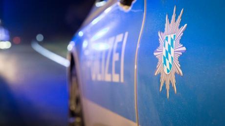 Ein Raser ist nahe der Grenze zu Österreich der Polizei entkommen.