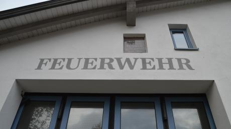 Die Gemeinde Syrgenstein legt ihre drei Ortsfeuerwehren aus Syrgenstein, Landshausen (im Bild) und Staufen zusammen. Das Vorhaben war in der Vergangenheit heiß diskutiert worden. Mittlerweile plant ein Ausschuss das neue, gemeinsame Gerätehaus.