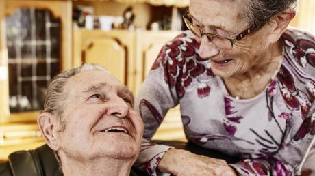 Eine Seniorengemeinschaft soll Menschen in Dillingen und Lauingen ermöglichen, auch im Alter selbstbestimmt zu Hause wohnen zu können. Das Konzept dafür stellte Gerhard Brecht im Dillinger Stadtrat vor.