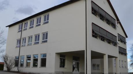 Die Bachtal-Grundschule in Bachhagel sollte eigentlich bereits im vergangenen Jahr saniert werden. Doch es gab Probleme mit Fördergeldern. Heuer sollen die Arbeiten nun über die Bühne gehen.