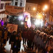 """Die politische Botschaft """"Ohne Bauern kein Faschingsumzug"""" brachte die Hallo Wach aus Donaualtheim mit, die am Samstag ihren Jubiläumsumzug (55 Jahre) startet."""