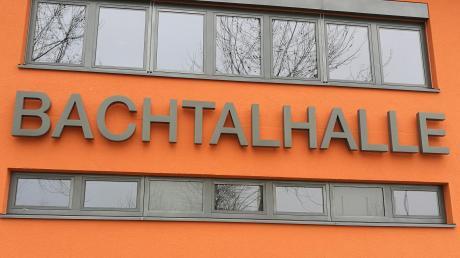In der Bachtalhalle in Syrgenstein findet heute Abend die Podiumsdiskussion der Donau-Zeitung statt.