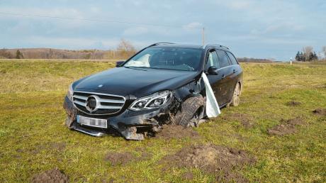 Am Mittwochvormittag ist es zwischen Unterliezheim und Lutzingen zu einem schweren Unfall gekommen.