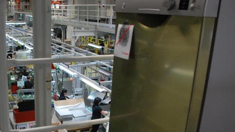 Die BSH Hausgeräte stoppt vorübergehend die Produktion in Dillingen.