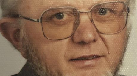 Harry Kleinhempel feiert 90. Geburtstag.