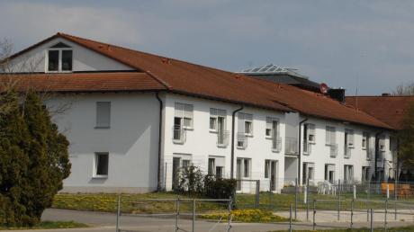 Im Bissinger Heim Pro Seniore sind viele Bewohner und Mitarbeiter mit dem Coronavirus infiziert. Zwei Menschen sind gestorben.