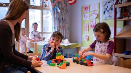 Die Notbetreuung in Kindergärten soll ausgeweitet werden. Manche Eltern würden sich darüber freuen, Kinder bestimmt auch.