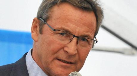 Die  Staatsanwaltschaft Augsburg hat ein Ermittlungsverfahren gegen den Dillinger Landrat Leo Schrell eingeleitet.