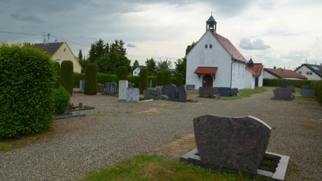 Blick auf den Friedhof von Ballhausen. Dieser soll nach einem Beschluss des Syrgensteiner Gemeinderates überplant werden.