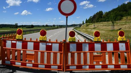 Kein Durchkommen gibt es für Autofahrer auf der B492. Die Sanierung des Autobahnzubringers ist derzeit nur eine von vielen Maßnahmen in der Region.