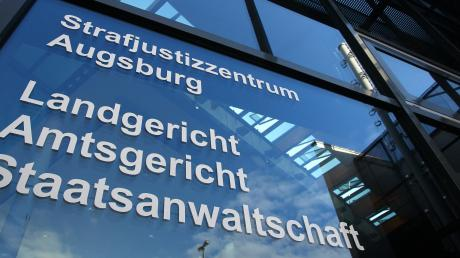Das Augsburger Landgericht hat eine 32-Jährige aus dem Kreis Dillingen verurteilt, weil sie ihren Sohn ausgesetzt hat.