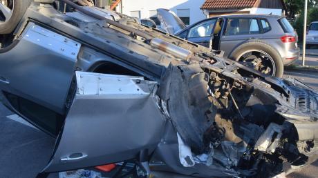 Schwere Verletzungen erlitt am Freitag ein 68-Jähriger bei einem Unfall in Höchstädt. Zwei Autos waren in der Sonderheimer Straße zusammengeprallt.