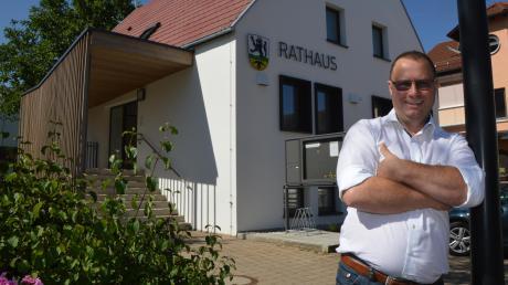 Siegmund Meck ist seit rund 100 Tagen der Chef im Bächinger Rathaus.