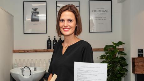 Verena Bauer hat einen Friseursalon in Pfaffenhofen.