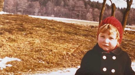 Erkennen Sie dieses kleine Mädchen? Heute leitet sie in verantwortlicher Position die Geschicke ihres Heimatortes im Landkreis Dillingen.