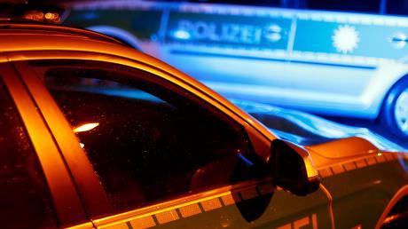 Ein Bub ist in Ettringen von einem Auto erfasst worden (Symbolbild).