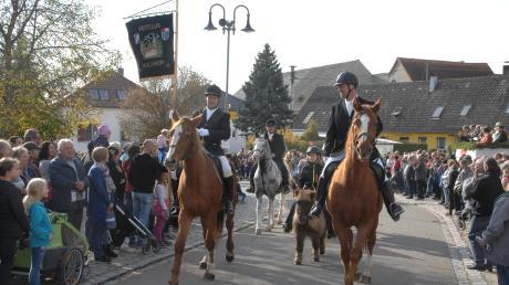 Dieses Bild entstand im Oktober 2019. Der Unterliezheimer Leonhardiritt ist für Reiter und Zuschauer jedes Jahr ein Höhepunkt. Heuer nicht.