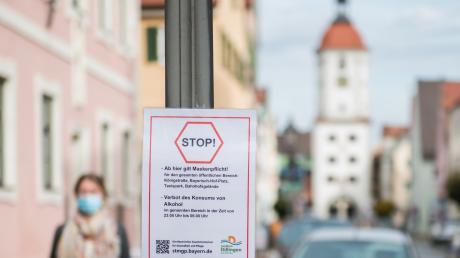 Ab Donnerstag gilt auf öffentlichen Plätzen, auch in Dillingen in der Königstraße, die Maskenpflicht.