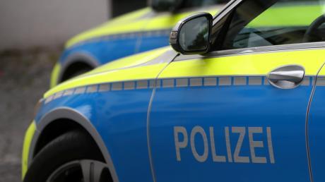 Missglückt ist das Ausparkmanöver einer 49-jährigen Autofahrerin am Samstag in Horgau.