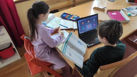 Für Jugendliche im Landkreis Dillingen steht jetzt wieder Onlineunterricht an.