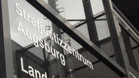 Ein 68-Jähriger hatte im Internet Lügen unter anderem über den früheren Augsburger OB verbreitet.