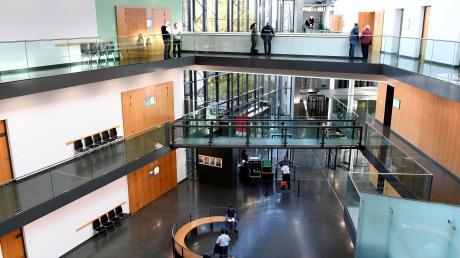 Im Strafjustizzentrum Augsburg musste sich ein Ex-Banker aus Lauingen verantworten. Es ging um Betrug.