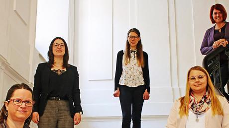 Die neuen Mitarbeiterinnen (von links) Juliane Pflügel, Christine Husel, Katrin Kraus und Jennifer Rau mit Bürgermeisterin Katja Müller.