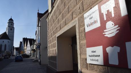 Der Rot-Kreuz-Laden Vielerlei in der Höchstädter Herzogin-Anna-Straße schließt zum Ende des Monats. Der Eigentümer hat nach Informationen unserer Zeitung bereits einen Nachmieter gefunden.