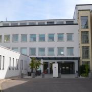 Der ehemalige Chefarzt der Wertinger Kreisklinik, Dr. Wolf-Rüdiger Kühl, fordert eine Weiterentwicklung des Kreiskrankenhauses, unter anderem durch die Etablierung einer geriatrischen Abteilung.