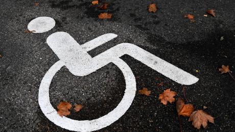 Der Bezirk Schwaben hat beschlossen, dass fünf Baumaßnahmen, die Menschen mit Behinderungen ihr Leben erleichtern sollen, finanziell unterstützt werden sollen. Dazu zählen auch Einrichtungen in Wertingen und Dillingen.