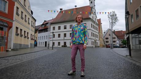Simon Bamberger freut sich nach über 15 Jahren darauf, wieder in den Landkreis Dillingen zurückzukehren. Für das Familienunternehmen in Gundelfingen hat er viele Pläne im Gepäck: Er möchte soziale Nachhaltigkeit und integrierte Kultur in das Lebenswerk seines Vaters integrieren.