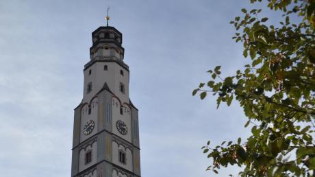 Auch der Lauinger Schimmelturm wird am Samstag bunt bestrahlt.