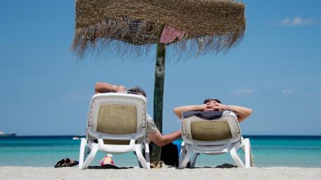 Die Stimmung bei Urlaubern und Betreibern von Reisebüros scheint sich in diesen Tagen aufzuhellen. Auch viele Landkreisbürger träumen in diesem Lockdown von einem schönen Sommerurlaub. Und einige packen nach der Aufhebung von Reisewarnungen die Koffer, um etwa auf Mallorca Urlaub zu machen.