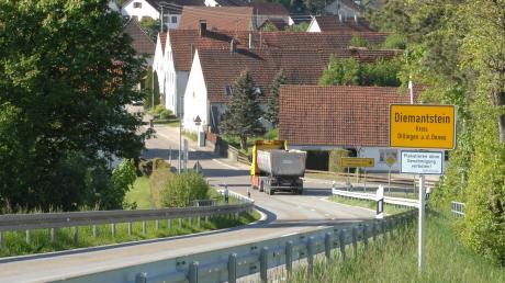 Viele Einwohner in Diemantstein wünschen sich seit Jahren dringlichst eine Umgehungsstraße. Die ist geplant, mehr aber aktuell nicht.