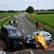 Bei einem Unfall zwischen Dillingen und Holzheim ist ein 90-Jähriger am Donnerstag verstorben.