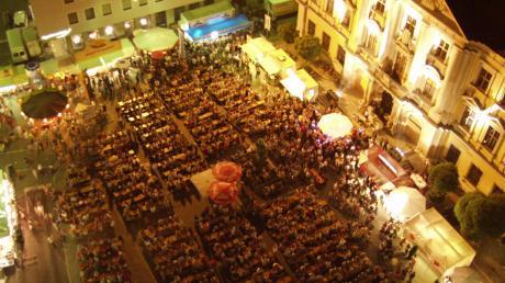 So sah es auf dem Marktplatz in Lauingen bis vor ein paar Jahren aus, wenn das City-Fest veranstaltet wurde. Die Laudonia will es nun zurückbringen.