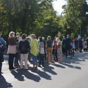 Über 100 Personen haben sich am Globalstreik für Klimagerechtigkeit in Dillingen beteiligt. Zu den Forderungen gehört vor allem in Anbetracht der anstehenden Wahl schnelleres Handeln seitens der Politik.