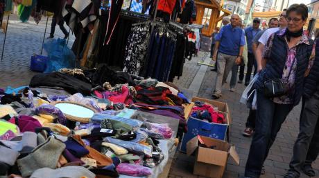 Viele Besucherinnen und Besucher werden am Sonntag in Dillingen erwartet. Beim Galli-Markt haben auch Geschäfte geöffnet.