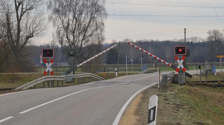 Der Bahnübergang bei Peterswörth.