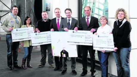 Gartner spendet 12 000 Euro für karitative Zwecke