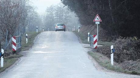 Die Kreisstraße zwischen Daiting und Gansheim soll auf einer Länge von etwa vier Kilometern neu ausgebaut werden. Das Projekt soll noch heuer verwirklicht werden.