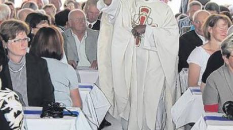 Die Einweihung des Bauhofs erfolgte durch Pfarrer Chalakkal.
