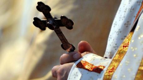Erstmals in ihrer Geschichte feiert die katholische Kirche an Ostern in Deutschland keine Gottesdienste in ihren Gebetshäusern.