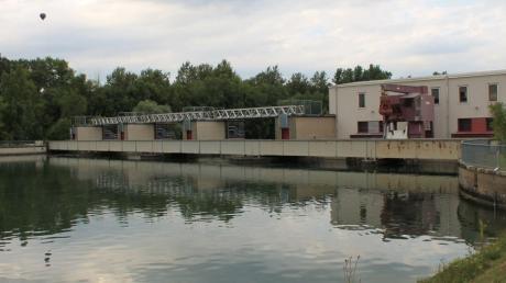 Der Übergang an der Lech-Staustufe bei Feldheim muss erneuert werden. Das Projekt ist noch für heuer geplant.
