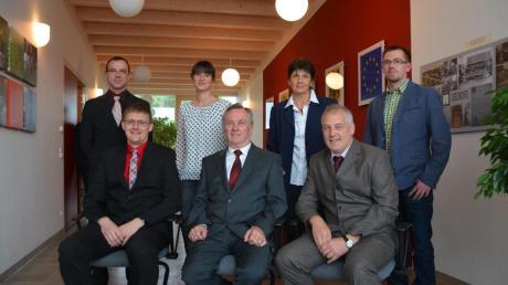 Die neuen Mitglieder (hinten, von links): Daniel Roßkopf, Barbara Schlauderer, Anna Schramm und Manuel Stangl mit (vorne, von links) Jürgen Raab, Gerhard Pfitzmaier und Peter Werner.