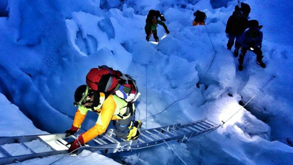 Kletterausrüstung Augsburg : Erdbeben in nepal: bergsteiger aus der region überlebt lawine ein